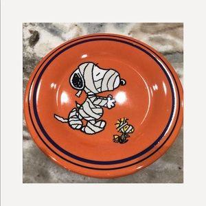 "Gibson Dining - Peanuts SNOOPY HALLOWEEN MUMMY Melamine Plates 8"""
